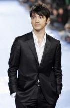 A red carpet event with Takesh Kaneshiro with his very short haircut looking so cute