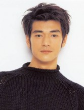 Picture of Takeshi Kaneshiro with layered short hairstyle
