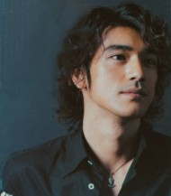 Cute Asian actor Takeshi Kaneshiro with full of curls