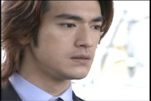 Takeshi Kaneshiro with light brown highlighted hairstyle