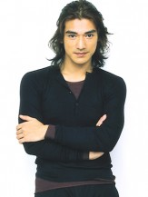 Takeshi Kaneshiro with layered long hair