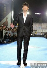 Takeshi Kaneshiro on the red carpet at the Golden Horse award