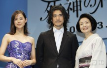 Takeshi Kaneshrio poses with actresses of Sweet Rain.jpg